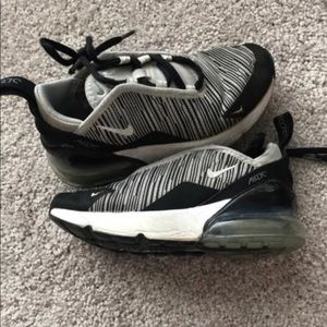 Nike Airmax270 Boys Shoes Size 11C. Black/White